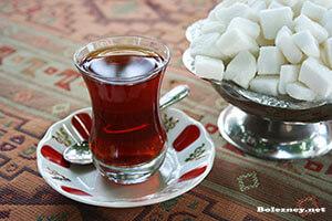 А можно ли при диареи сладкий крепкий чай?