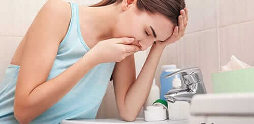 Лечение тошноты в домашних условиях. Советы и рецепты